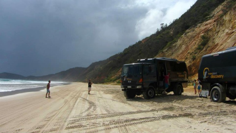 4wd tour fraser island discovery