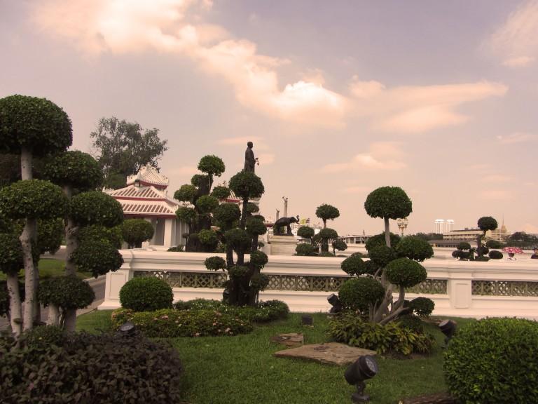 wat pho gardens